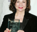 Linda Amiel Burns, Theaterscene Writer, Wins Special MAC AWARD <br><span style='color:#999;font-size:12px;margin-top:-10px;'>By Jeannie Lieberman in THEATERSCENE.NET on April 7, 2008</span>